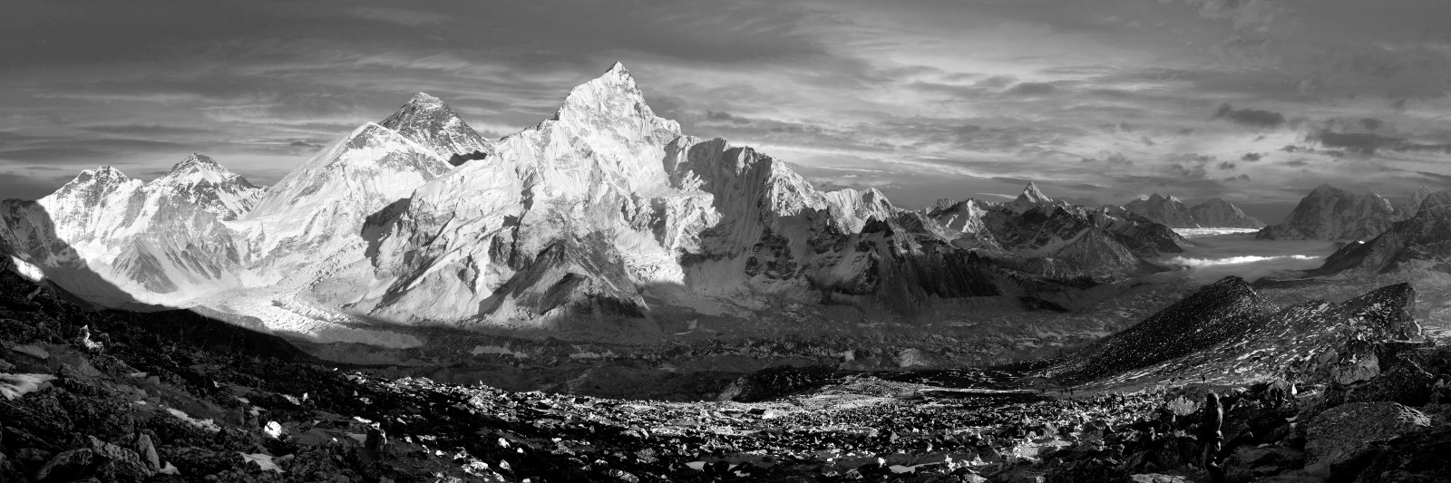 evening black and white panoramic view of Everest and Nuptse from Kala Patthar – trekking to Everest base camp – Nepal